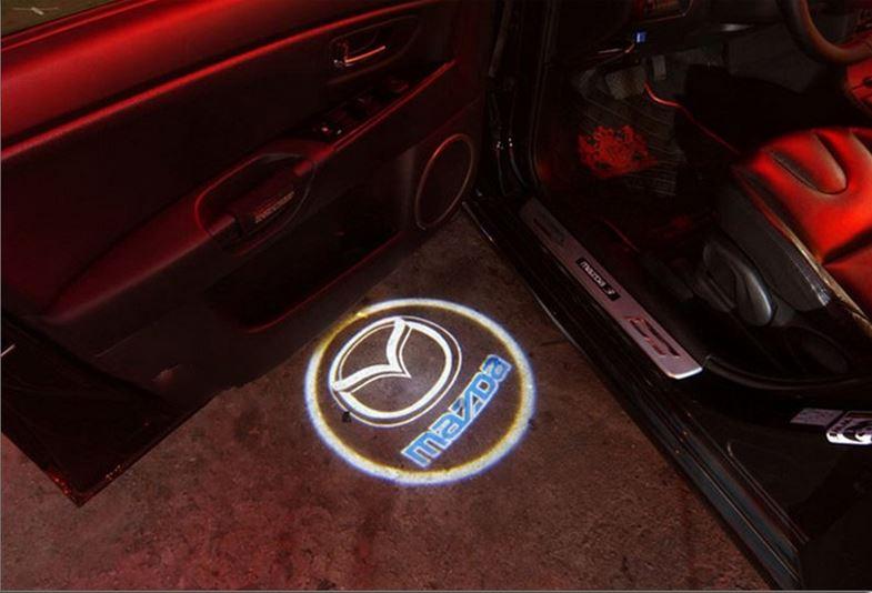 Проекция логотипа в дверь